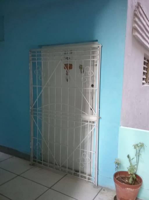 La entrada del apartamento No. 209