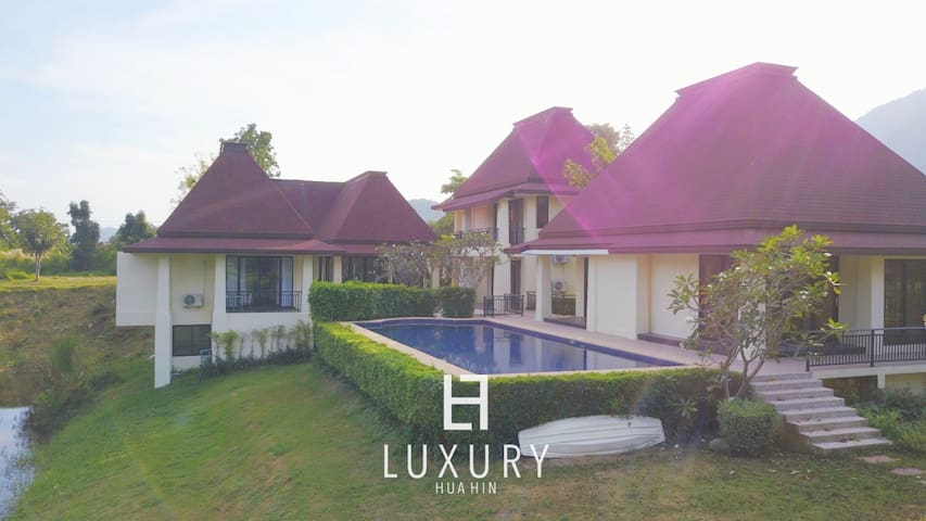 Hua Hin Bali style Villa with 7 double beds.