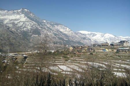 Himalayan Heritage Home Stay in Kais, Kullu Valley - Kullu - 家庭式旅館