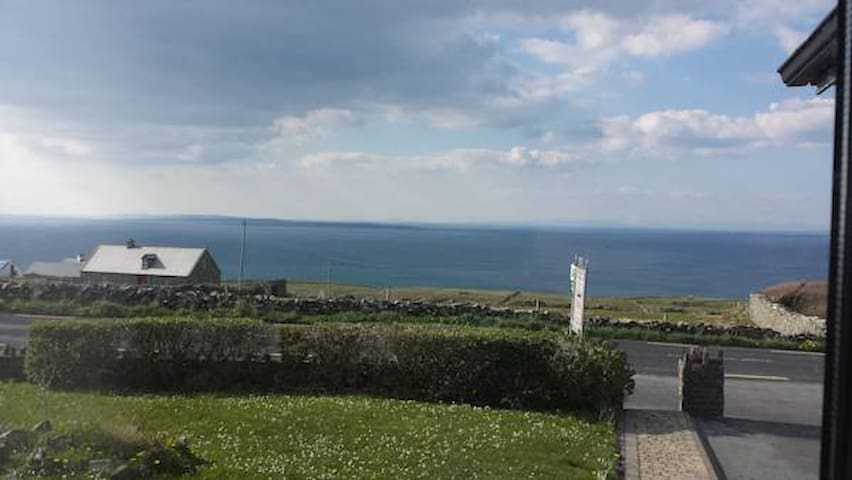 The Ramblers Rest B&B - Very Near Cliffs Of Moher
