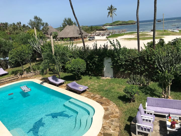 Ocean view Villa with private access to the beach