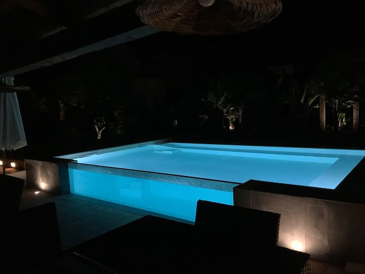 Sea side Villa with pool