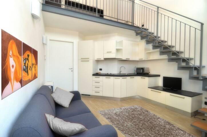 Loft for Duomo, Prada Foundation, Bocconi, Navigli - Milan - Loft