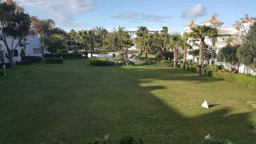 Belle Villa Haut standing de rêve pieds dans l'eau - Casablanca