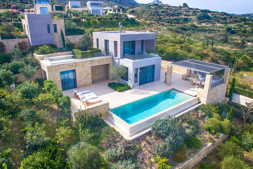 The villa is located in a peaceful environment