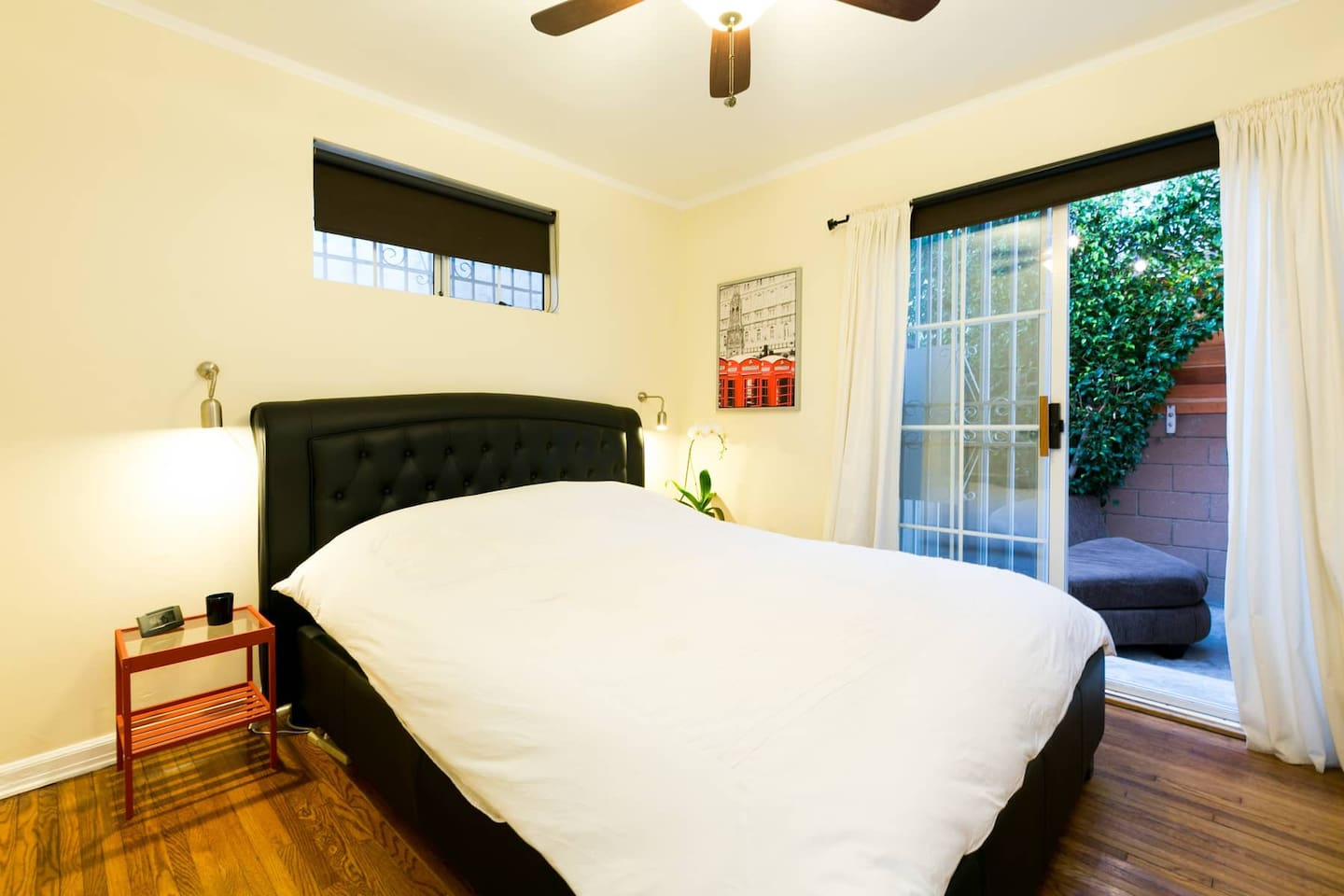 Comfortable & cozy, with outdoor patio, private bathroom, and full kitchen shared use.