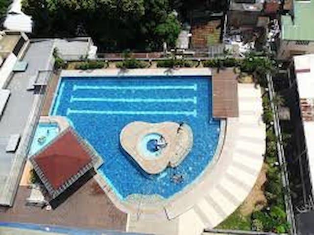 25 meter lap pool