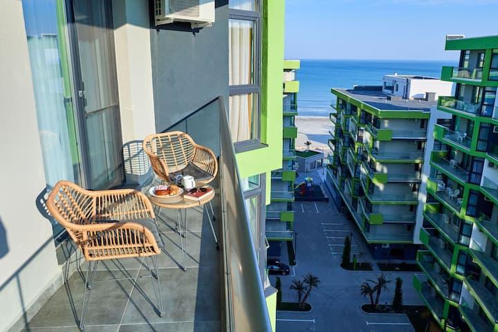 BLU Sea view apartment ALEZZI Spa Pools resort