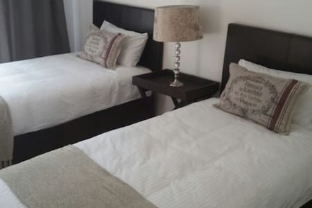 Apartment in Fourways-Sandton - Johannesburg - Apartment