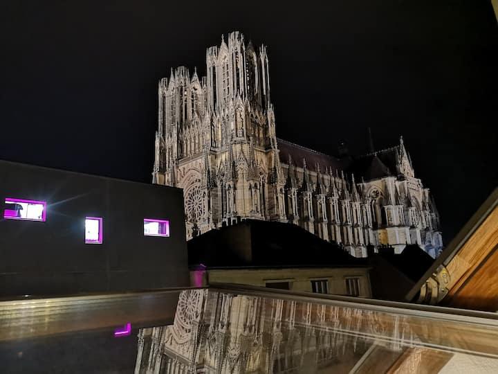 Logement Cosy rénové au pied de Cathédrale  clim