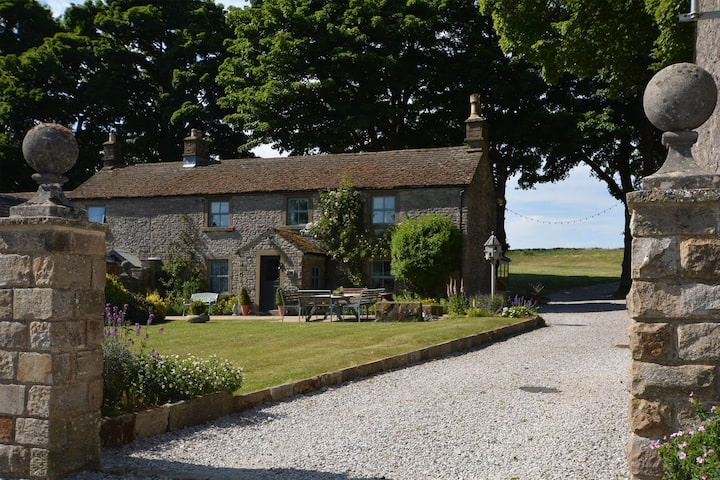 Haddon Grove Farmhouse - glorious accommodation with swimming pool and lots of heart