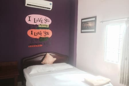 Clean double room ~ backpacker area - tp. Nha Trang
