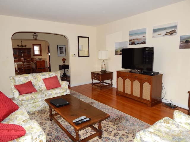 Large 4BR Home 4 blocks from ocean:Sea Girt - Sea Girt - Huis