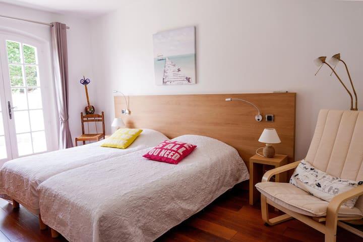 chambre 3 ( 2 lits )