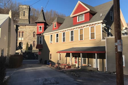 High Street Guesthouse, Apartment E in historic JT - Jim Thorpe - Daire