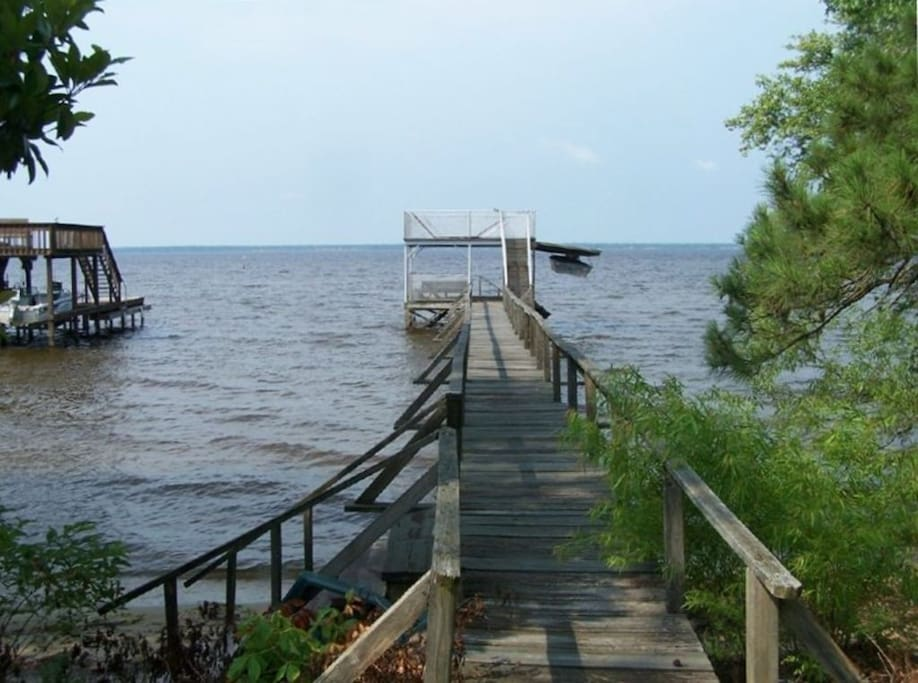 lake waccamaw chat sites A visit to lake waccamaw state park unveils one of the most unique bodies of  water in the world and one of the greatest geological mysteries—the.