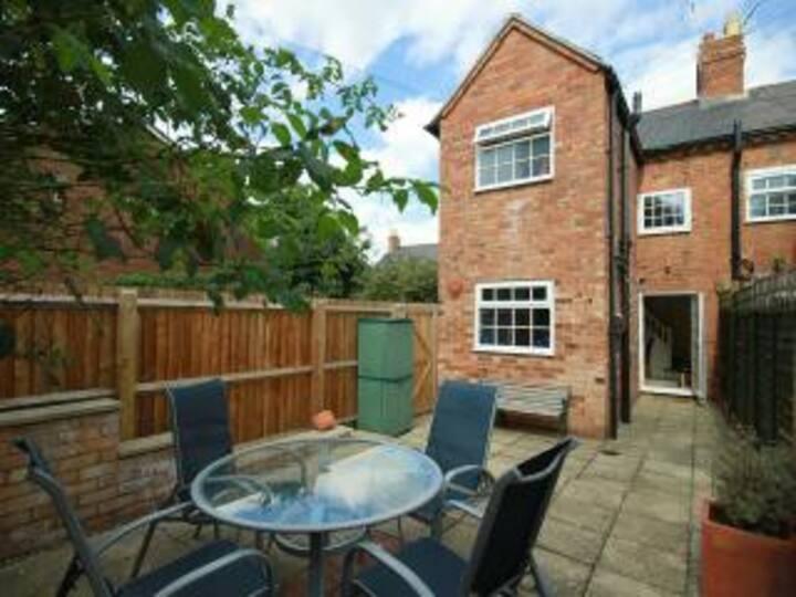 Luxury cottage in Stratford Upon Avon town centre.