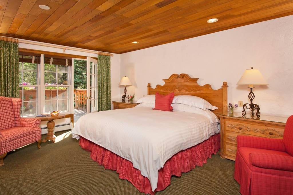 Christiania hotel room in vail village ski in out for Boutique hotel ski
