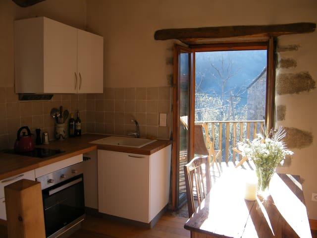 keuken en toegang terras