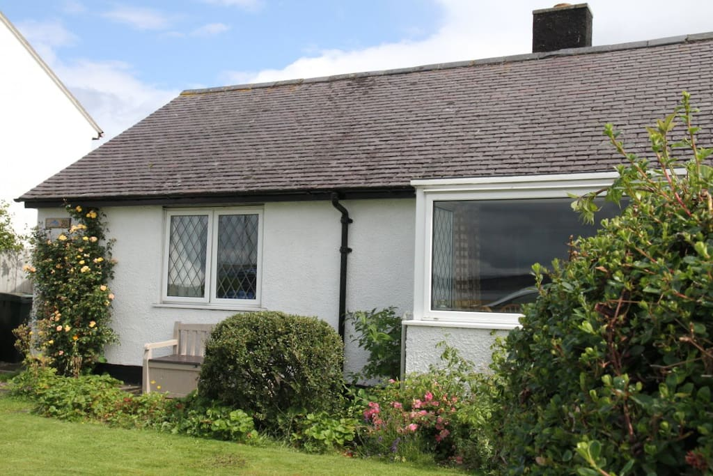 Front of Dolphin View Cottage