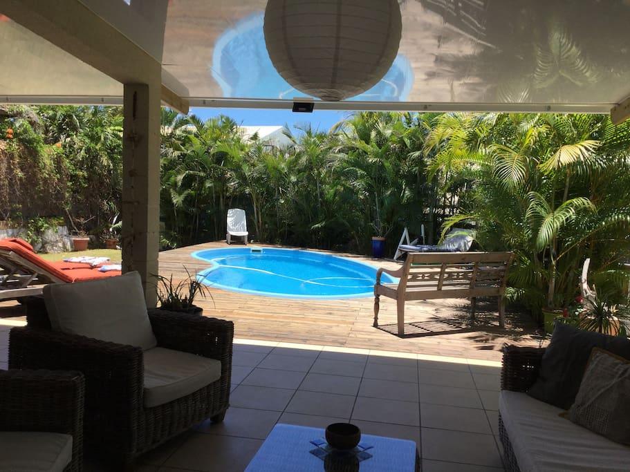 Belle maison avec piscine houses for rent in plateau - Pool house piscine moderne saint paul ...