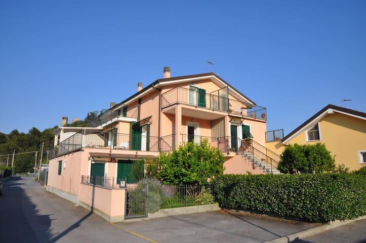 """Appartamento """"Gli Oleandri"""" - Andora - Apartment"""