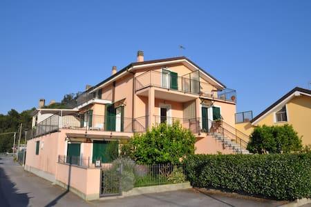 """Appartamento """"Gli Oleandri"""" - Andora - Apartament"""