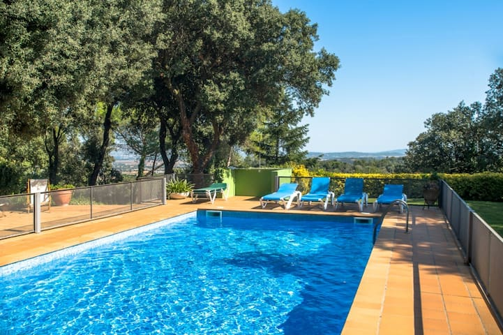 Costabravaforrent Carrió, with pool and garden