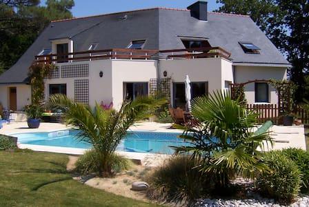 Villa Creizic à Arradon - piscine chauffée privée - Arradon - วิลล่า