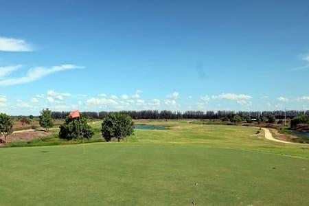 331 Golf Holidays near BKK airport
