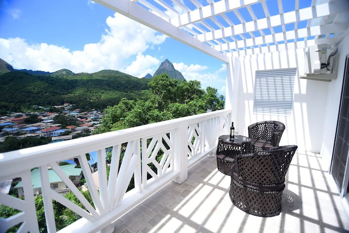 Mt Gimmie Apt With Amazing View! @SugarmonVillas