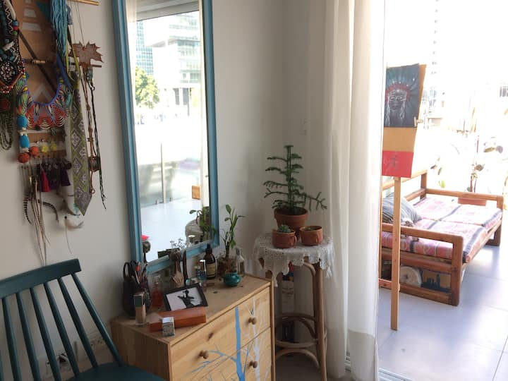 ARTISTIC STUDIO with big TERRACE Central location