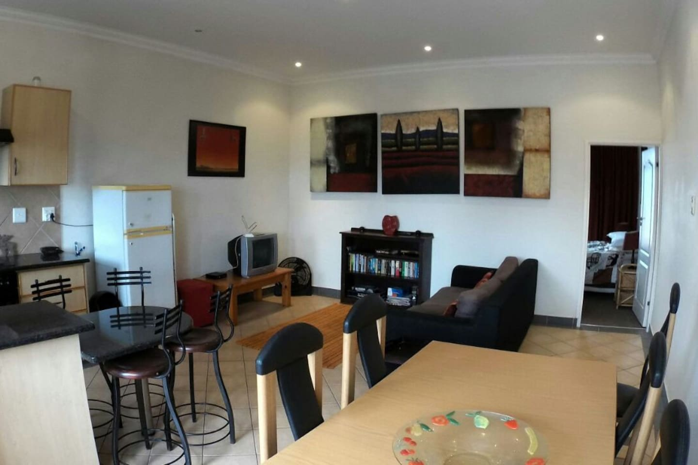 Open plan lounge, kitchen and diningroom