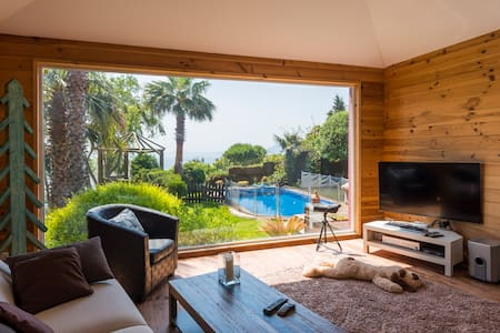 Design house with pool and garden - Tarifa