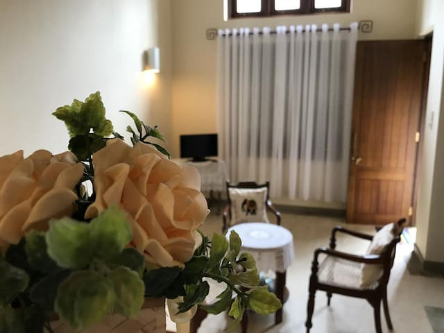 Kandyan Apartment by TSH