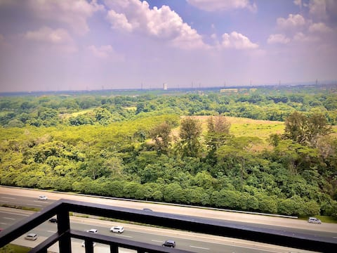 BEAUTIFUL GOLF view 2 bedrooms NEW UNFURNISHED