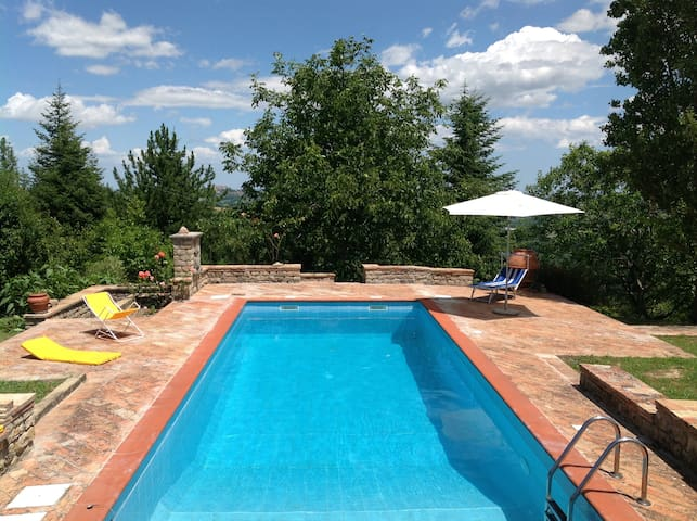 Country House - Entire Hill-Private Swimming Pool - Penna San Giovanni - Rumah