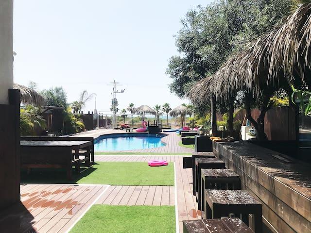 Villa Bling Bling + piscine à Ashdod: REF/PATRICK