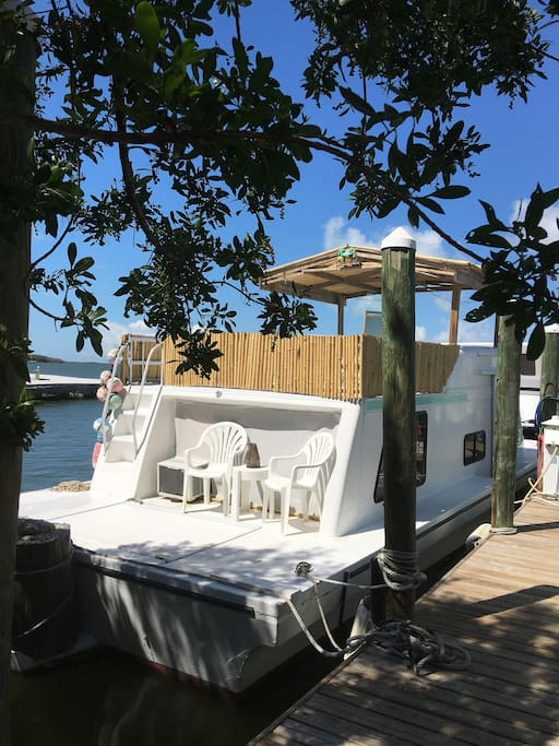 Houseboat In Paradise With Beach Boats For Rent In Key