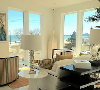 Beachfront One Bedroom, 10 minutes from Airport - 里维尔(Revere) - 公寓