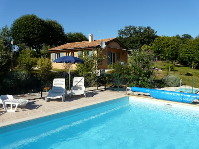 cottage SAPHIR heated pool, 5 pers., free wifi