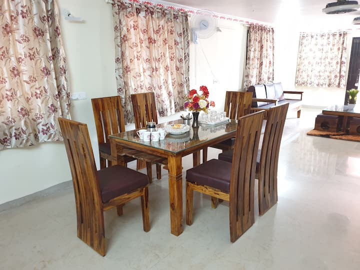 Luxurious 3 BHK Fully Furnished Residence