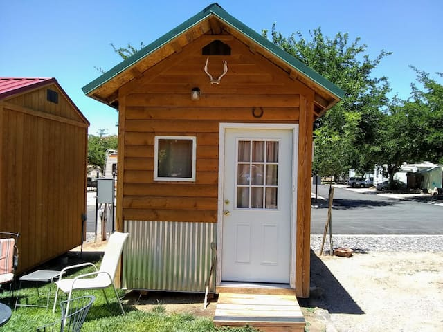 Tiny Cabin #1