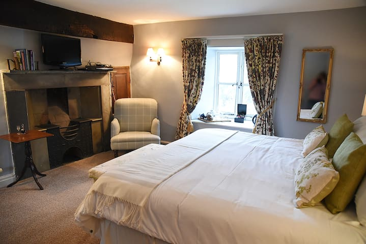 Room 4 super king  · Room 4 B&B near Hay on Wye