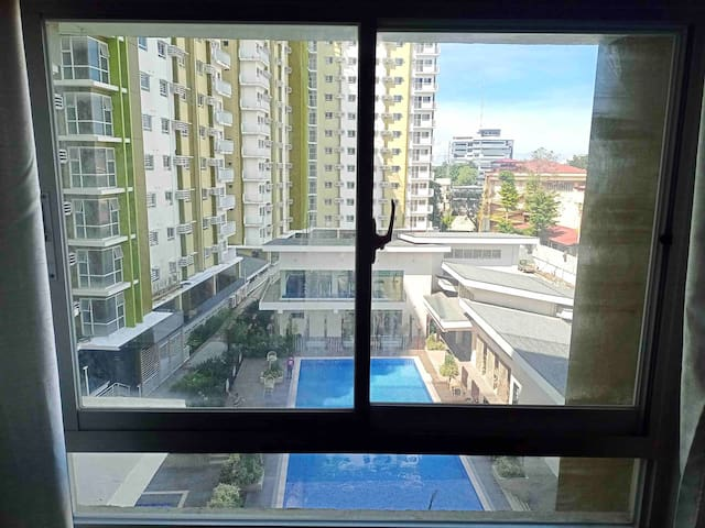 SPACIOUS STUDIO WITH UNLIMITED INTERNET AND CABLE