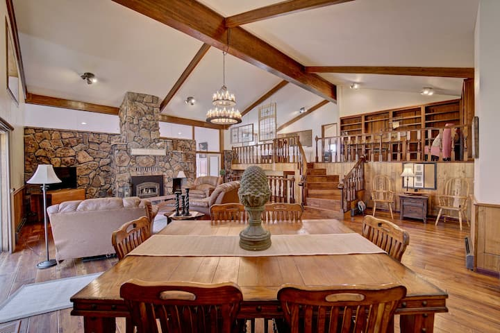 Colorado Wine Country Retreat: Pond, Horse Stables