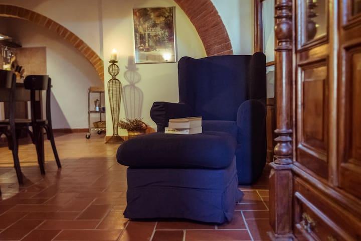 Tavolo Allungabile A Spicchi.Airbnb Caioncola Vacation Rentals Places To Stay Umbria