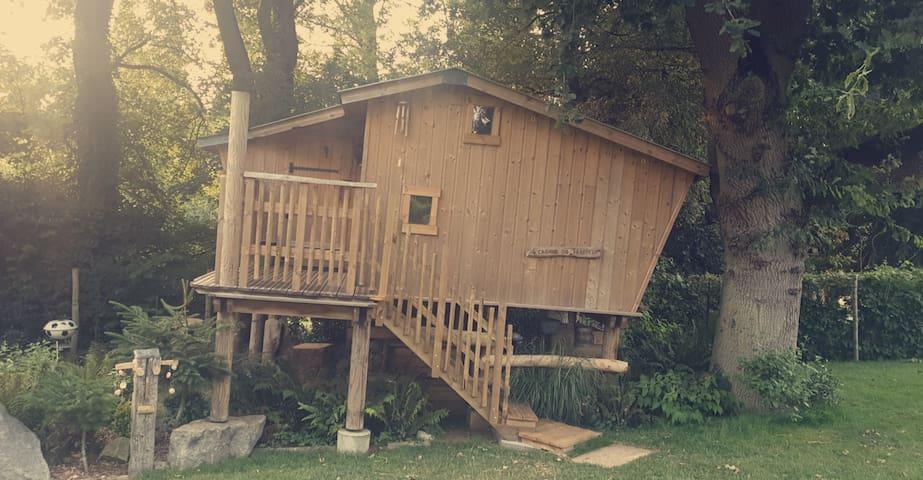 La cabane perchée du Trappeur.