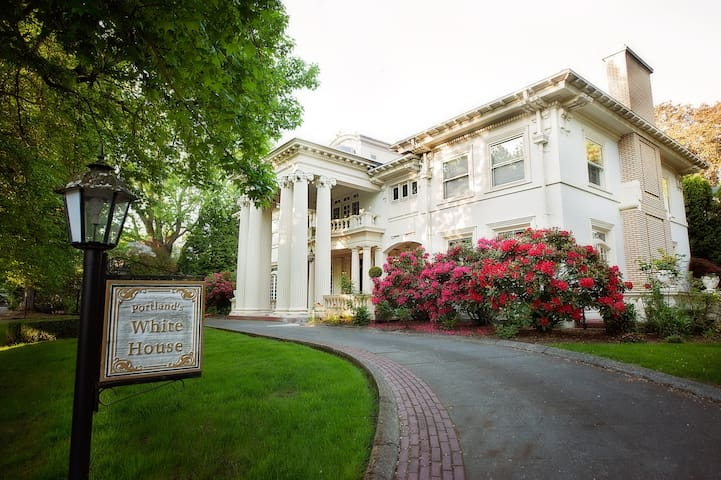 Portland's White House - M3