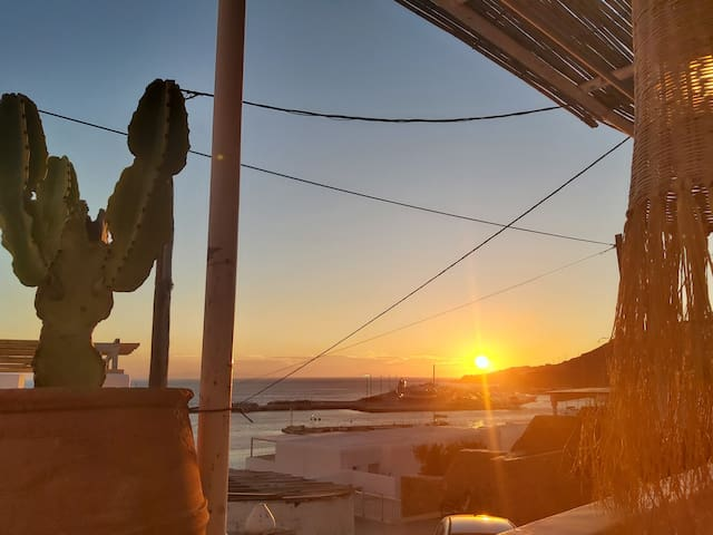 Sunset port view Mykonos House No 2